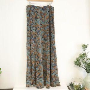 Hinge maxi skirt